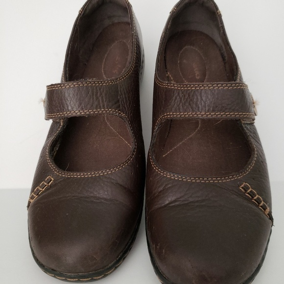 Clarks Shoes - Clark's Mary Jane unstructired slip on button